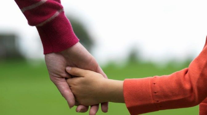 אמפתיה כבסיס לקשר בריא בין הורים לילדים